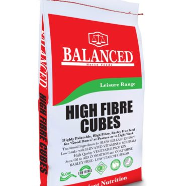 High Fibre cubes nuts horse feed